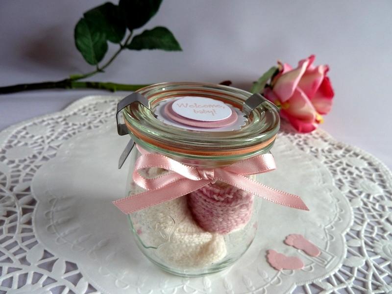 -  Babysöckchen / Erstlingssöckchen in  rosa/weiß im Glas *von IdeenOase* -  Babysöckchen / Erstlingssöckchen in  rosa/weiß im Glas *von IdeenOase*
