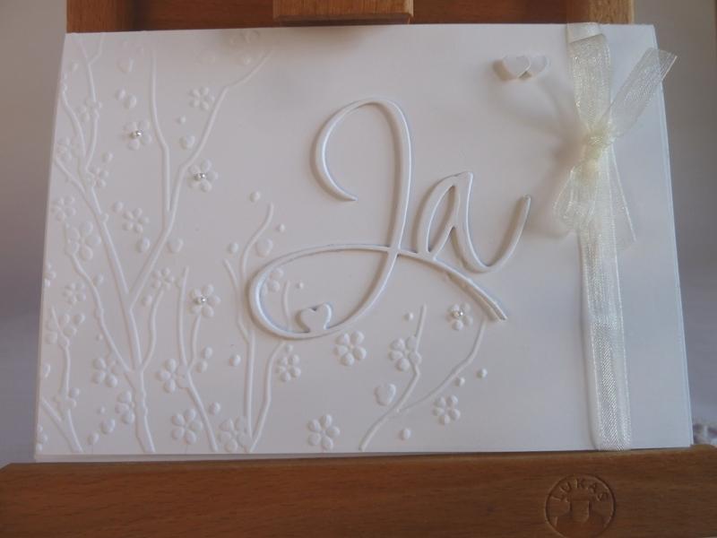 - Edle Hochzeitskarte in weiß mit Prägung, Ja-Schriftzug und Perlen - Edle Hochzeitskarte in weiß mit Prägung, Ja-Schriftzug und Perlen