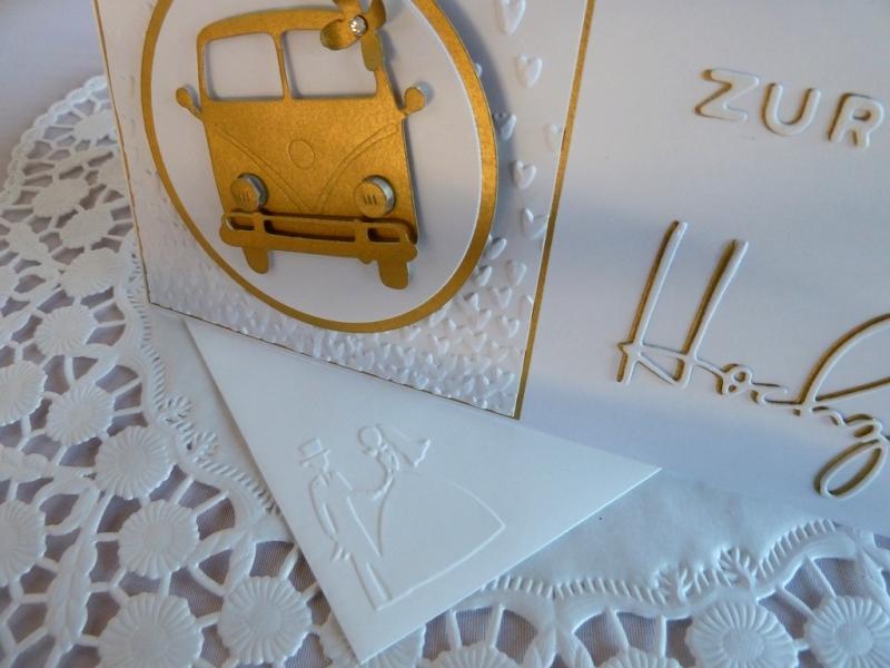 Kleinesbild - Edle Hochzeitskarte in weiß und Gold mit Kultauto