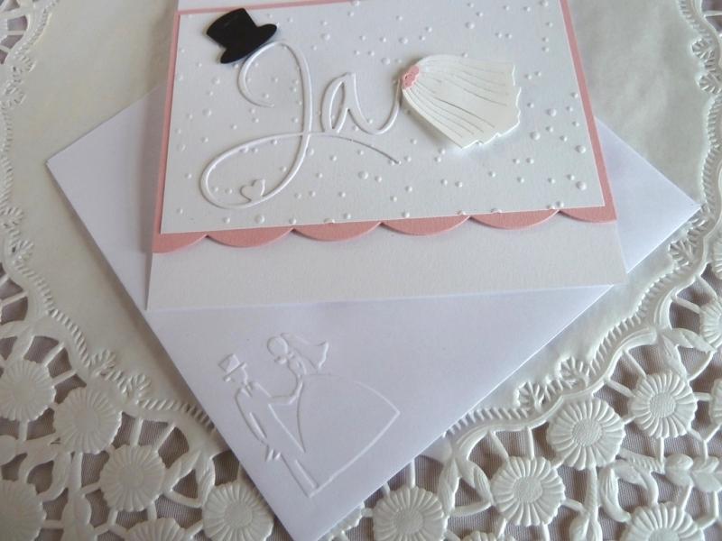 Kleinesbild - Edle Hochzeitskarte in weiß/rosa mit Prägung, Ja-Schriftzug, Zylinder und Schleier