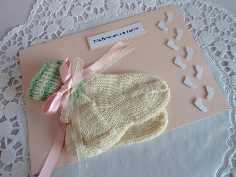 Kleinesbild - Glückwunschkarte/Geldgeschenkkarte zur Geburt/Taufe mit Söckchen für ein Mädchen