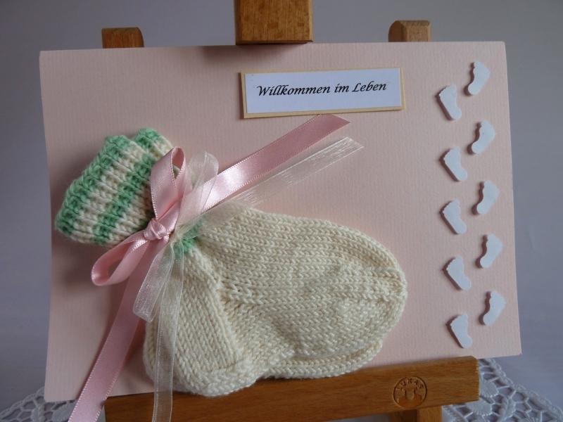 - Glückwunschkarte/Geldgeschenkkarte zur Geburt/Taufe mit Söckchen für ein Mädchen - Glückwunschkarte/Geldgeschenkkarte zur Geburt/Taufe mit Söckchen für ein Mädchen