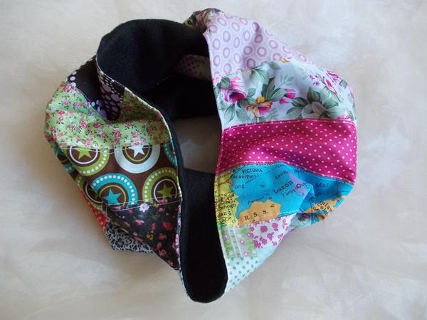 Kleinesbild - Schal  ♥ wunderschöner Schlauchschal LOOP-Schal buntes Patchwork schwarzer Fleece handarbeit genäht
