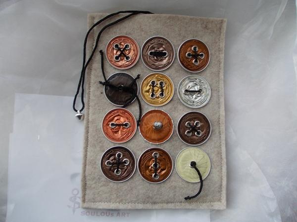 Kleinesbild - Hülle Case Etui Tasche für E-Book-Reader aus Filz und Nespresso-Kapseln-Knöpfen  ♥ *naturecap* beige