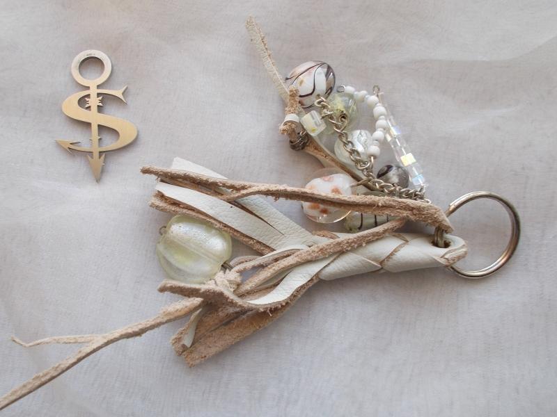 - Schlüsselanhänger Schmuckanhänger Schlüsselring echt Leder ♥ Pretty Pearls weiß - Schlüsselanhänger Schmuckanhänger Schlüsselring echt Leder ♥ Pretty Pearls weiß