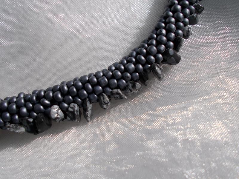 Kleinesbild - Halskette  Perlenkette Glasperlen Rocailles ♥ *out*in* grau Black Line Jasper (eingearbeitete Halbedelsteine)