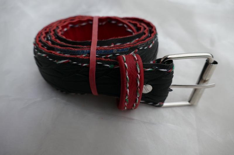 Kleinesbild - Gürtel ♥ Upcycling Gürtel Fahrradreifen mit Profil und rotem Leder M