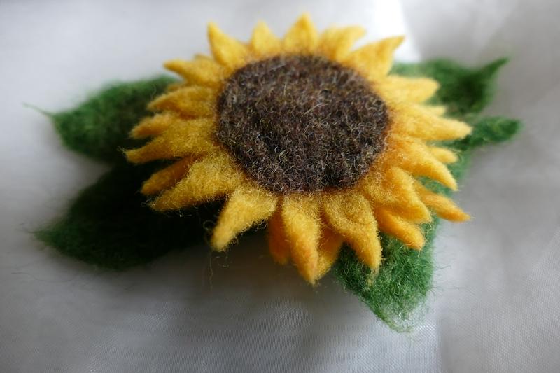 Kleinesbild - Haarspange gefilzt ♥ Haarspange Sonnenblume Haarschmuck