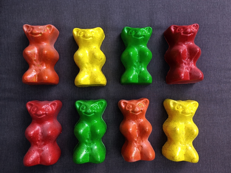 Kleinesbild - Sweet Gummibärchen red ♥ Bär aus Beton zur Dekoration