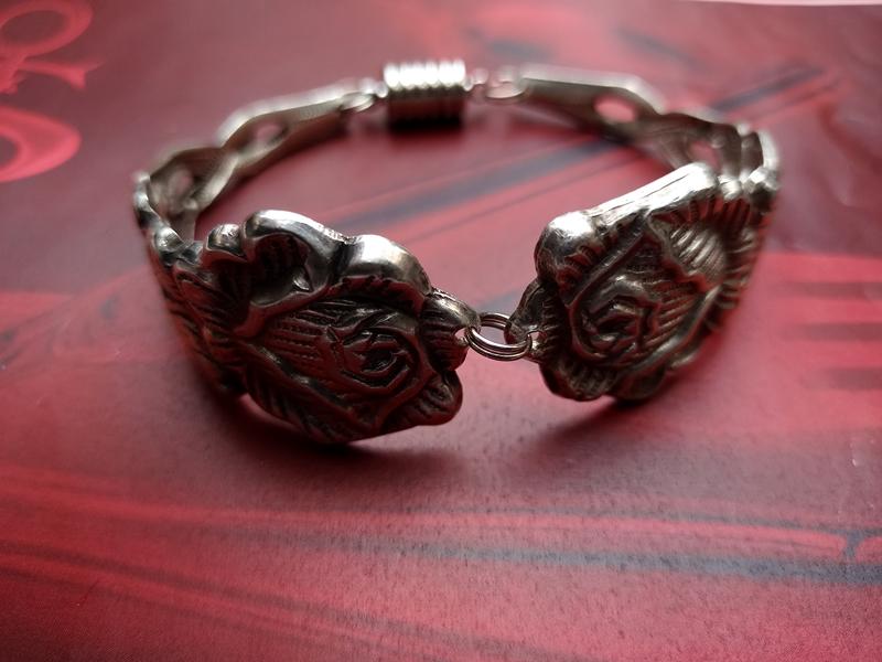 Kleinesbild - Besteckschmuck Armband Armreif mit Magnet ♥ *Rose* Sonderedition