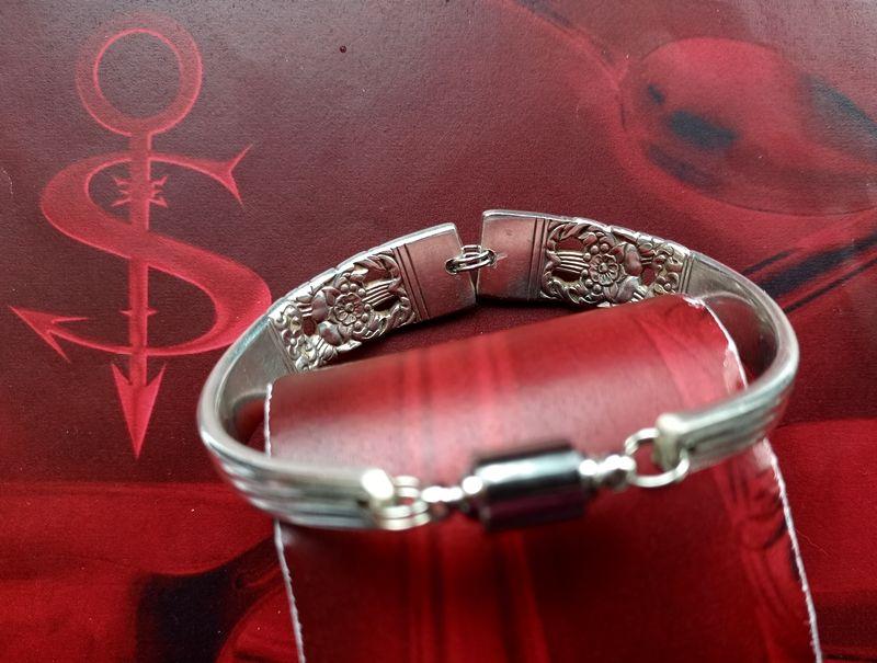 Kleinesbild - Besteckschmuck Armband Armreif mit Magnet ♥ HAMPTON COURT