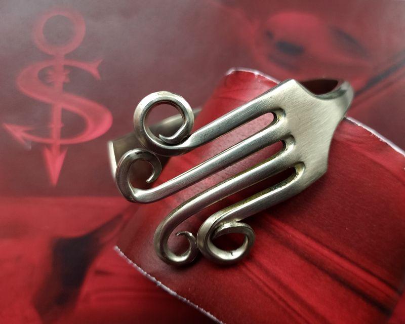 Kleinesbild - Besteckschmuck Armband Armreif aus einer Gabel ♥ Seventies