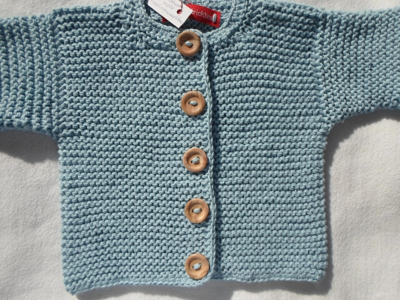 Kleinesbild - Gr.68/74 Babystrickjacke in hellblau aus reiner Baumwolle kraus rechts handgestrickt