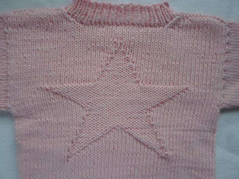 Kleinesbild - Gr.98/104 Kinderpullover in rosa mit eingestricktem Stern aus reiner Baumwolle handgestrickt