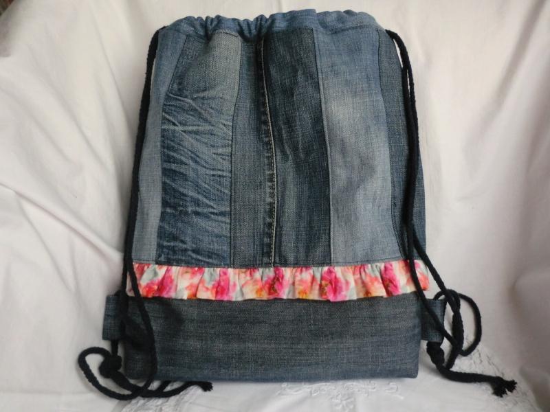 - Rucksack - Turnbeutel - Sportbeutel - Festivalbag - zero waste - Jeans recycelt - genäht von Patchwerk - Rucksack - Turnbeutel - Sportbeutel - Festivalbag - zero waste - Jeans recycelt - genäht von Patchwerk