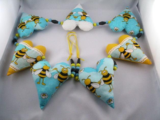 Kleinesbild - Babygirlande Biene