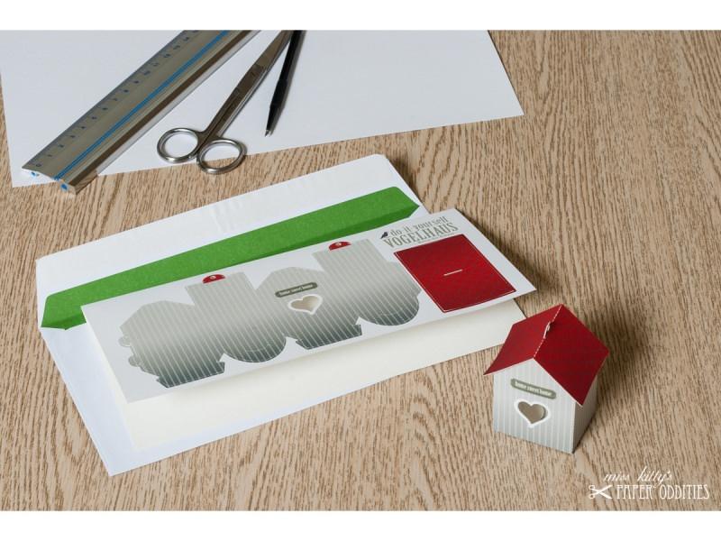 - Grußkarte »Vogelhaus« mit heraustrennbarem Bastelbogen — 03.graubraun - Grußkarte »Vogelhaus« mit heraustrennbarem Bastelbogen — 03.graubraun