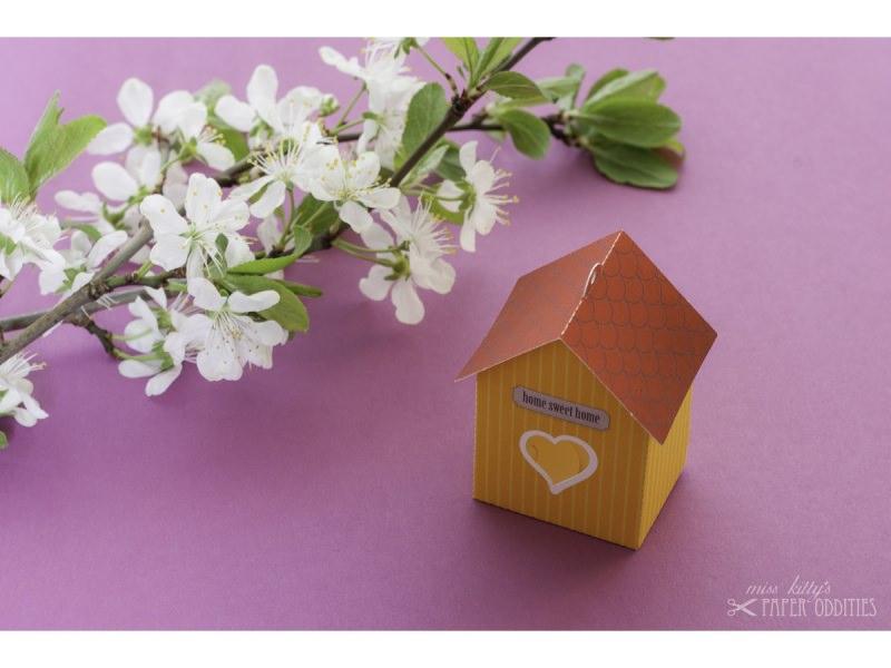 Kleinesbild - Grußkarte »Vogelhaus« mit heraustrennbarem Bastelbogen — 05.sonnengelb
