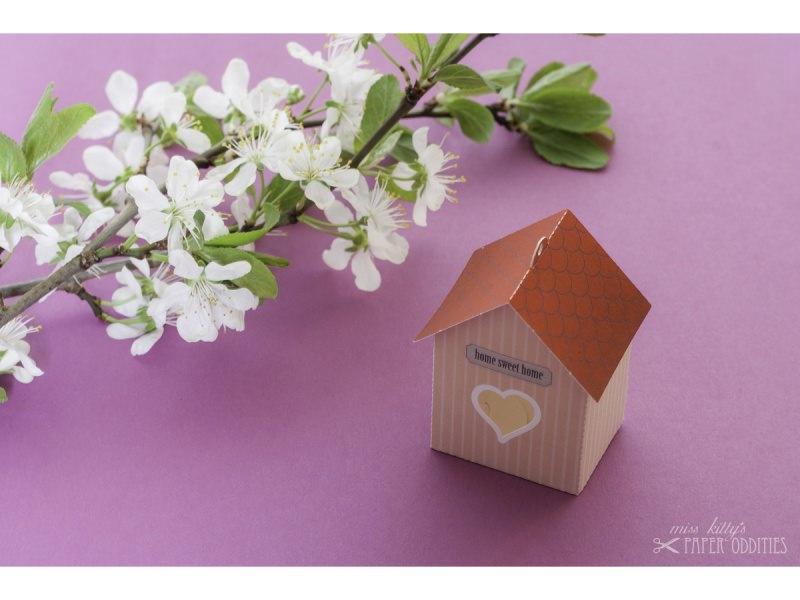 Kleinesbild - Grußkarte »Vogelhaus« mit heraustrennbarem Bastelbogen — 06.rosé