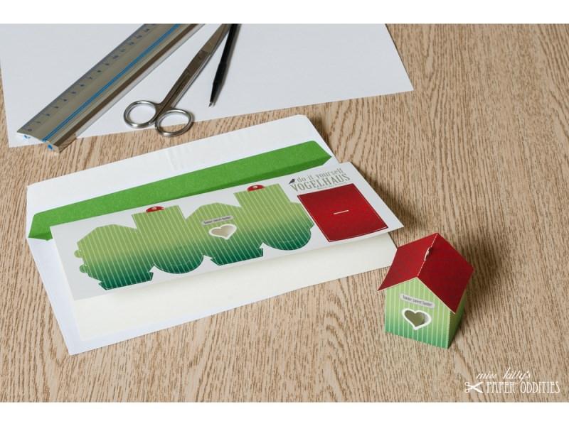 - Grußkarte »Vogelhaus« mit heraustrennbarem Bastelbogen — 09.blassgrün - Grußkarte »Vogelhaus« mit heraustrennbarem Bastelbogen — 09.blassgrün
