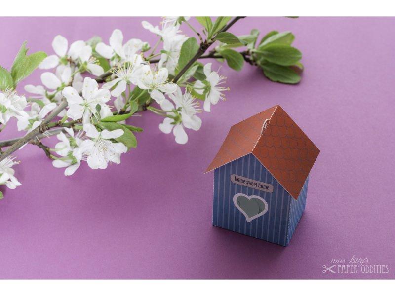 Kleinesbild - Grußkarte »Vogelhaus« mit heraustrennbarem Bastelbogen — 11.grünblau