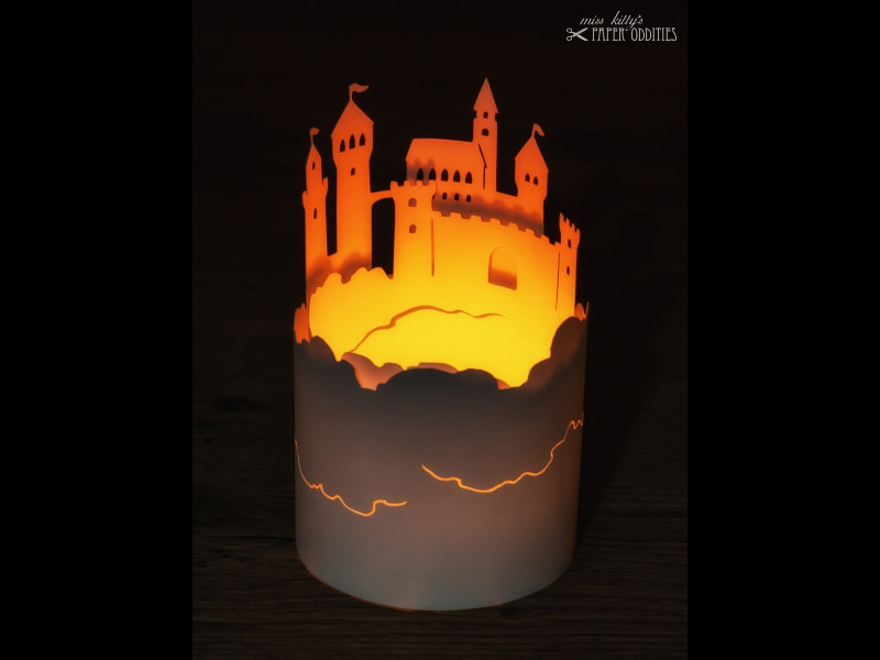 Kleinesbild - Windlicht-Bastelbogen »Luftschloss« zum Beleuchten mit einem (LED)-Teelicht