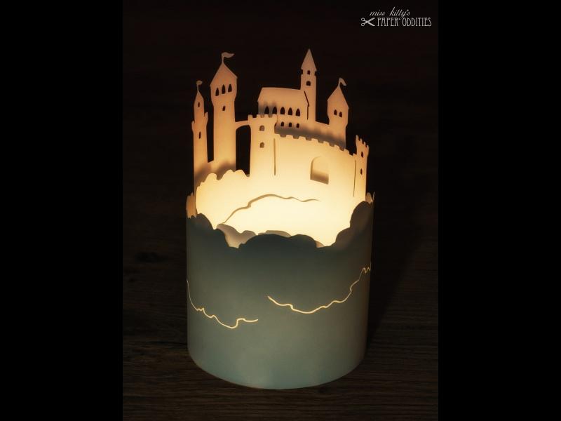- Windlicht-Bastelbogen »Luftschloss« zum Beleuchten mit einem (LED)-Teelicht - Windlicht-Bastelbogen »Luftschloss« zum Beleuchten mit einem (LED)-Teelicht