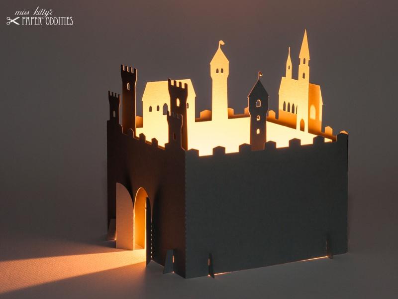 Kleinesbild - Bastelset Windlicht »Ritterburg« zum Beleuchten mit (LED)-Teelicht oder Votivkerze