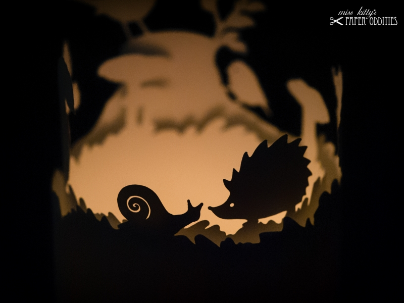 Kleinesbild - Windlicht-Bastelbogen »Herbstzeit« – beige; zum Beleuchten mit einem (LED)-Teelicht