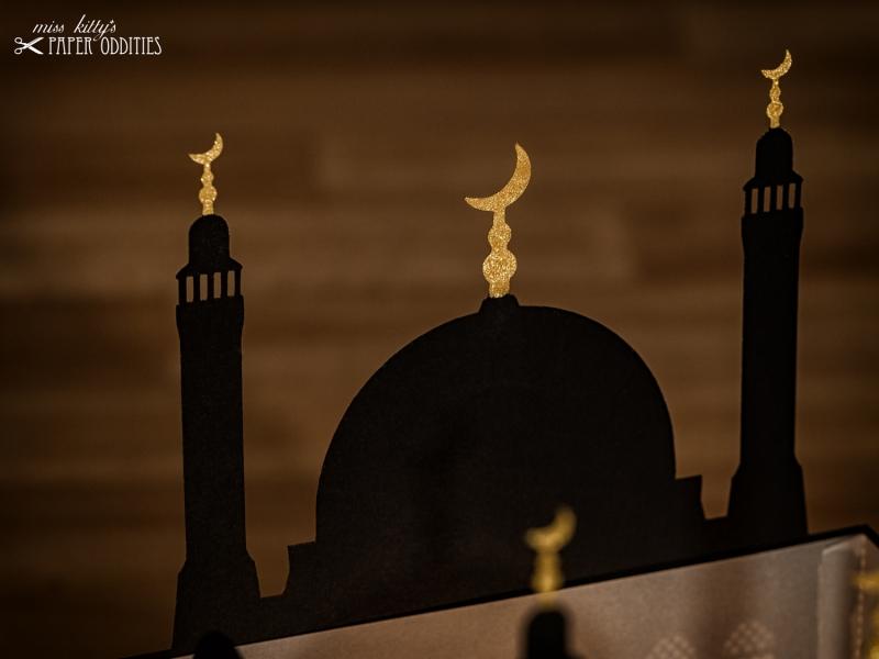 Kleinesbild - Windlicht »Moschee«, große Variante mit goldenen Halbmonden, zum Beleuchten mit einem (LED)-Teelicht
