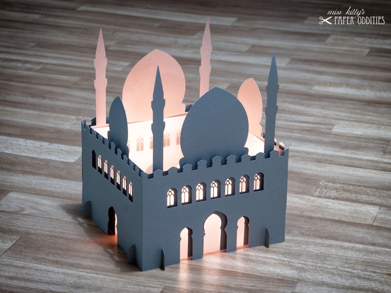 - Windlicht-Bastelset »Moschee« 3-teilig XL-Version (lichtgrau), zum Beleuchten mit (LED)-Teelichtern oder Kerzen - Windlicht-Bastelset »Moschee« 3-teilig XL-Version (lichtgrau), zum Beleuchten mit (LED)-Teelichtern oder Kerzen