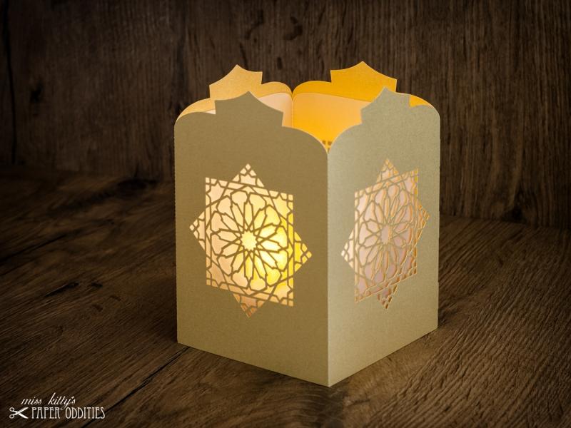 - Windlicht-Bastelset »Orientalische Laterne« (gold), zum Beleuchten mit (LED)-Teelicht oder Kerze - Windlicht-Bastelset »Orientalische Laterne« (gold), zum Beleuchten mit (LED)-Teelicht oder Kerze