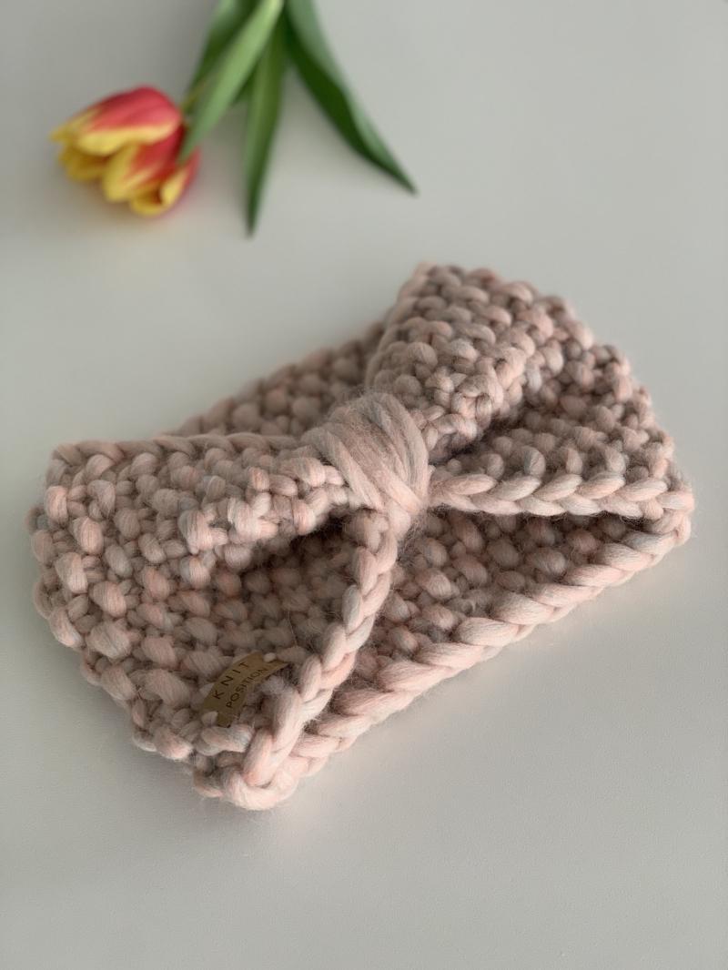 - ZUCKERFEE - Stirnband aus dicker Wolle im Schleifenstil - ZUCKERFEE - Stirnband aus dicker Wolle im Schleifenstil
