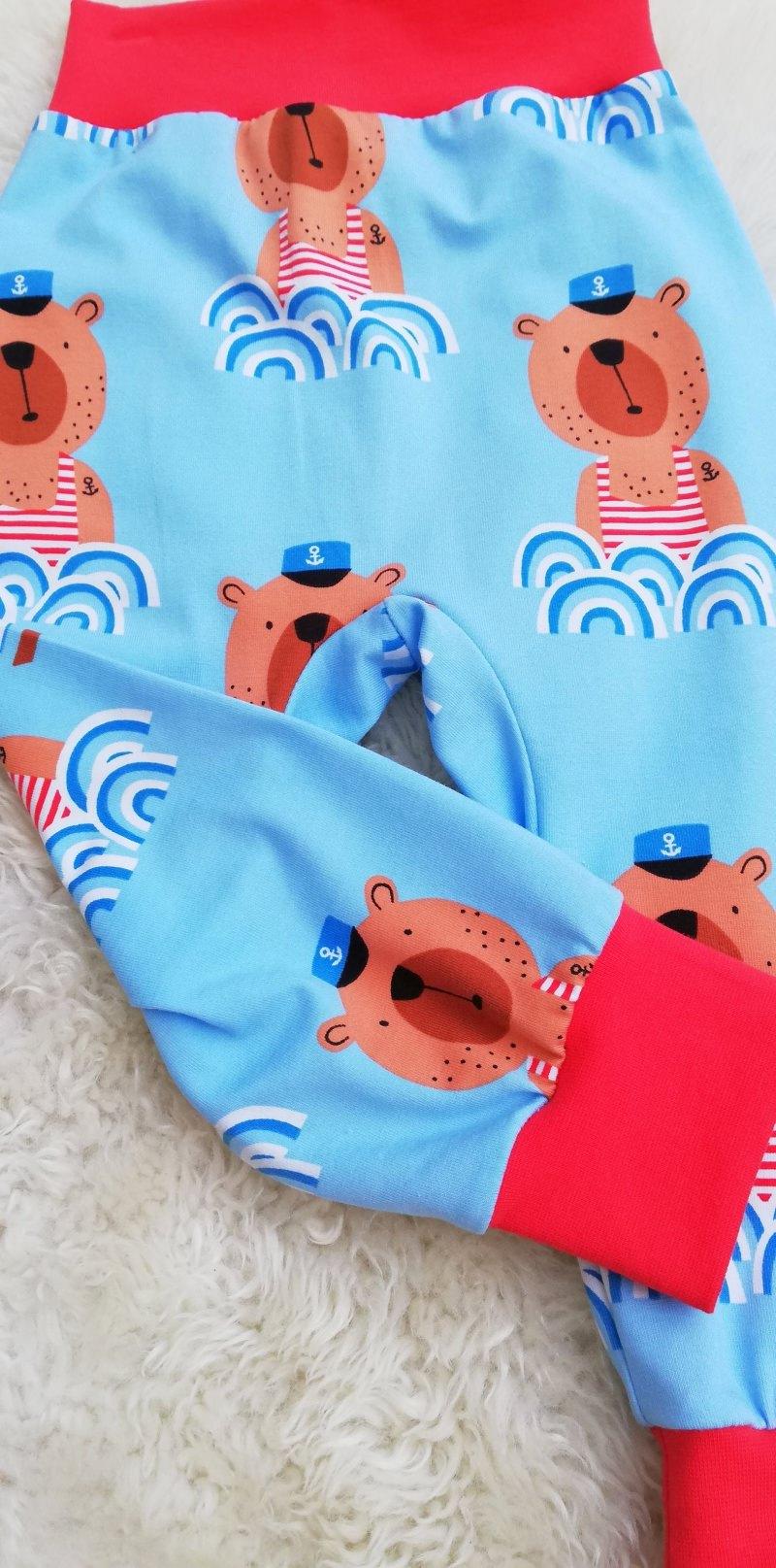 Kleinesbild - Baby Hose Seebär♥maritime Pumphose aus Jersey Größe 62/68♥handgenähte Hose hellblau für Babys