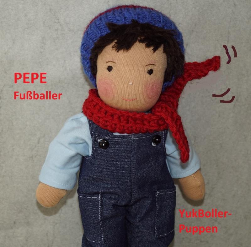 - Stoffpuppe PEPE(Fußballspieler), Junge Puppe, 31 cm,  Handgemachtes Einzelstück - Stoffpuppe PEPE(Fußballspieler), Junge Puppe, 31 cm,  Handgemachtes Einzelstück