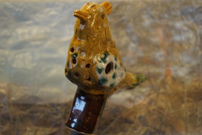 Kleinesbild - Gartenvogelfigur(GELB) aus Ton, 13 cm, Originales Einzelstück aus eigener Keramikwerkstatt