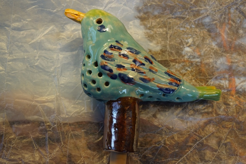 Kleinesbild - Gartenvogelfigur(TÜRKIS) aus Ton, 13 cm, Originales Einzelstück aus eigener Keramikwerkstatt