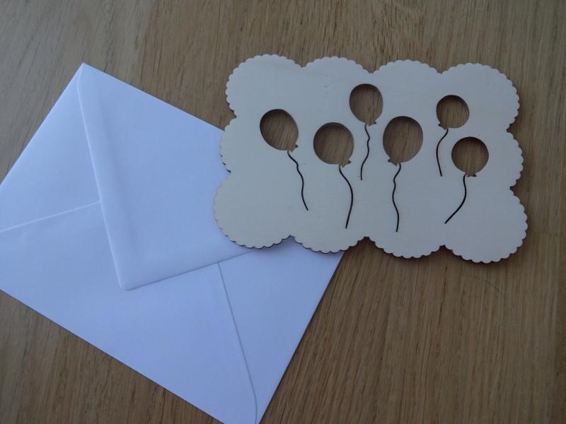 Kleinesbild - Glückwunschkarte aus Holz mit Ballons