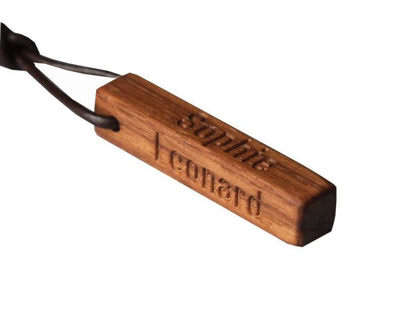 - Schlüsselanhänger mit Gravur - Nussbaumholz - Schlüsselanhänger mit Gravur - Nussbaumholz