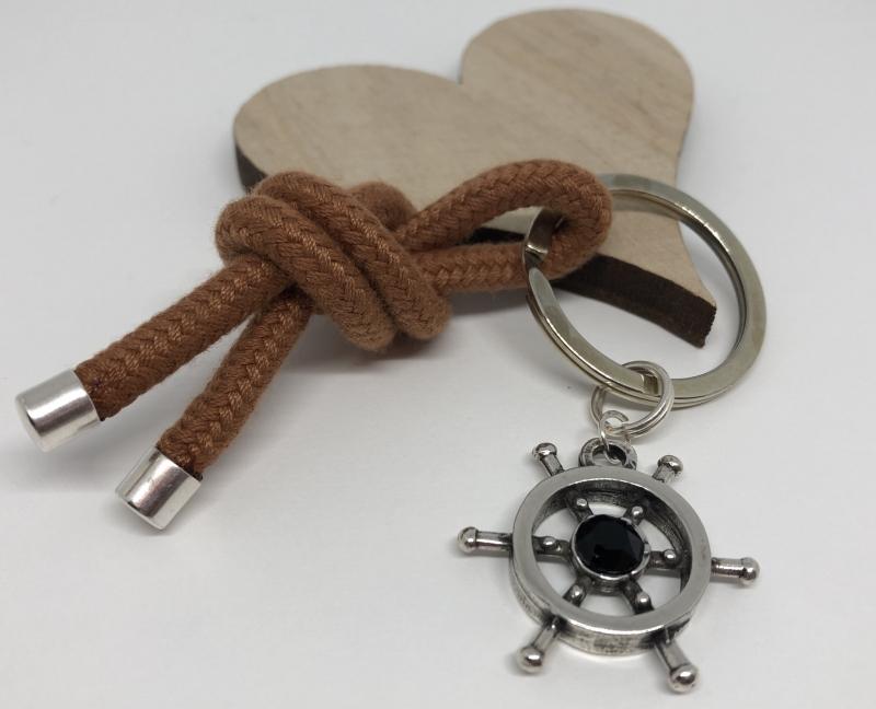 Kleinesbild - Schlüsselanhänger Taschenanhänger aus einem Segelseil mit einem Steuerrad und einem schwarzem Chaton ♥