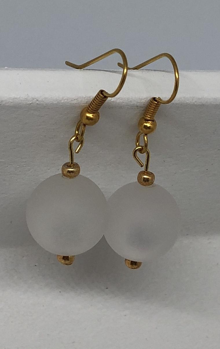 Kleinesbild - Ohrringe aus weißen glänzenden Polaris Perlen