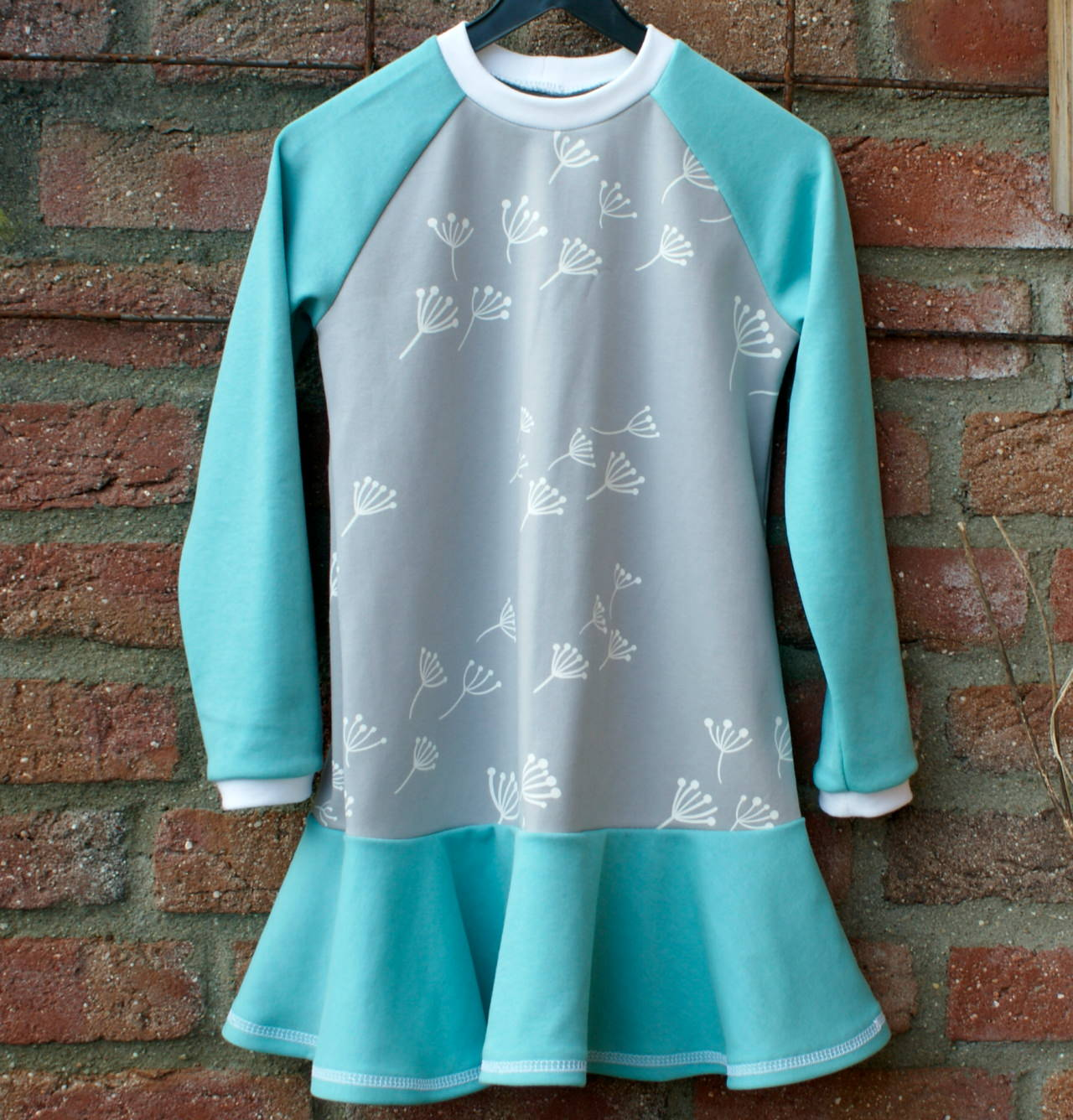 Kleinesbild - Mädchen - Kleid PUSTEBLUME Gr.104 mint hellgrau weiß Volant Ökotex Gr.104