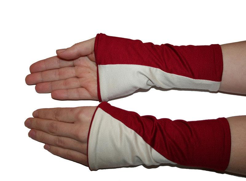 Kleinesbild - Mira Armstulpen zum Wenden (diagonal) rot mit cremeweiß oder rot mit hellgrau