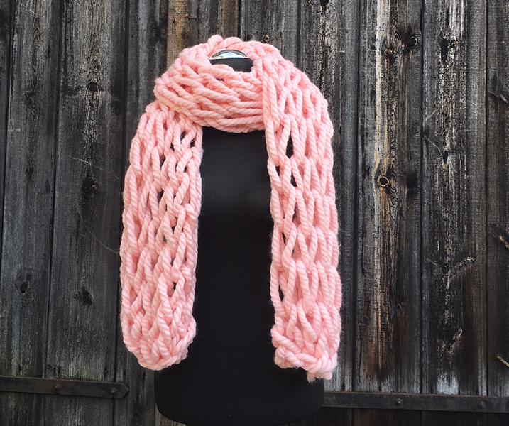 - XXL Schal armgestrickt rosa mit großen Maschen  - XXL Schal armgestrickt rosa mit großen Maschen