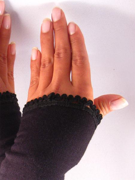 Kleinesbild - Handgemachte Stulpen, Armstulpen, Pulswärmer, schwarz Rüsche