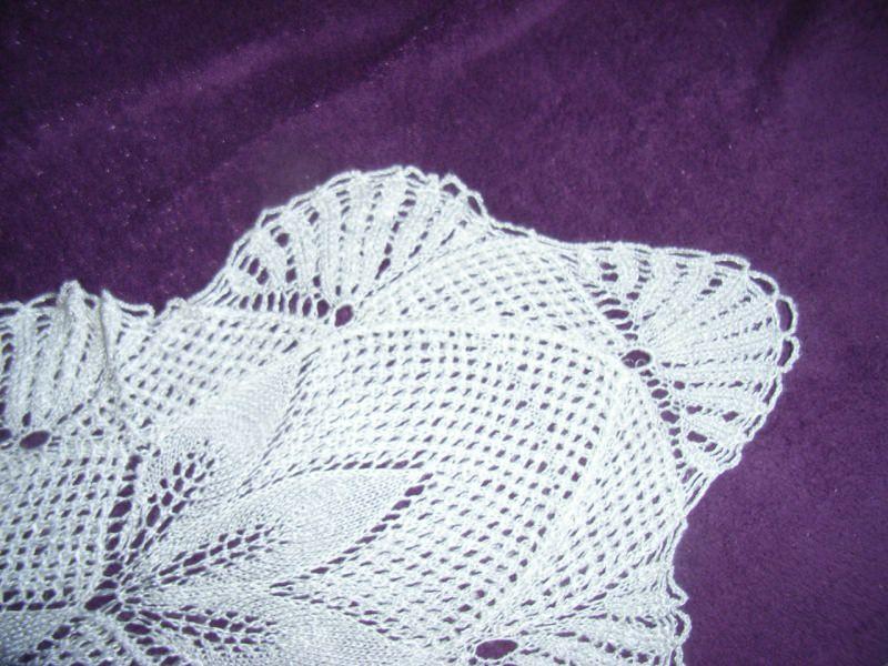 Kleinesbild - * Tischdecke *   83 x 32 cm elfenbein   Läufer * Kunststricken * Blickfang