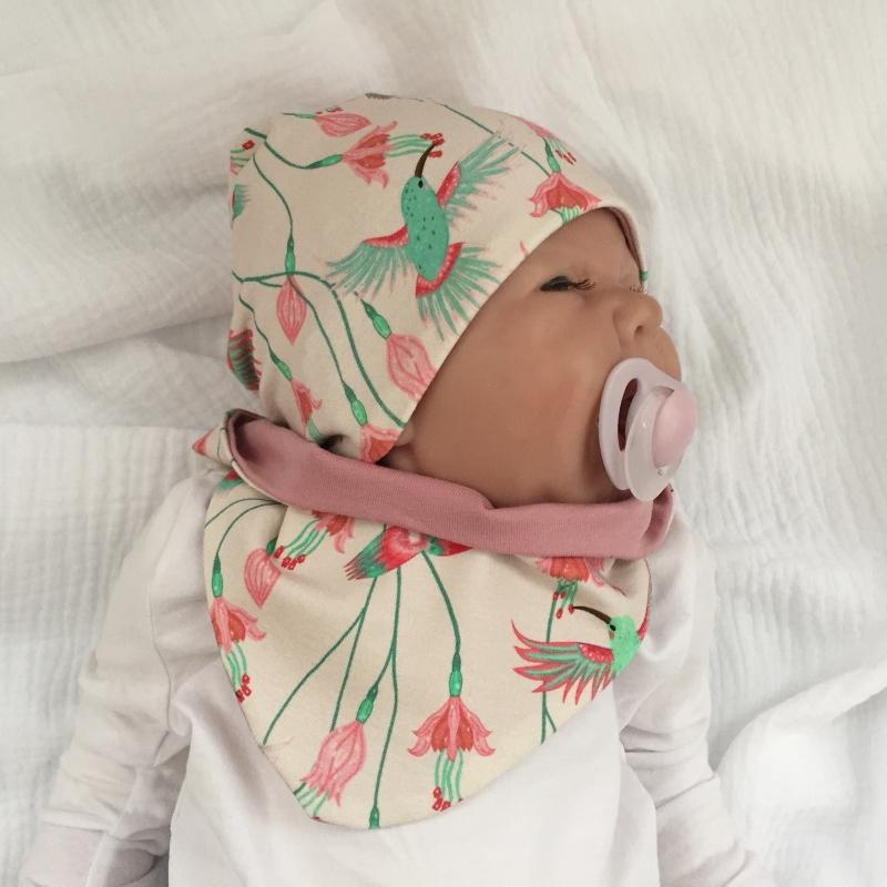 - 2teil. NeugeborenenSet * KOLIBRI * Halstuch u. Mütze für Mädchen - 2teil. NeugeborenenSet * KOLIBRI * Halstuch u. Mütze für Mädchen