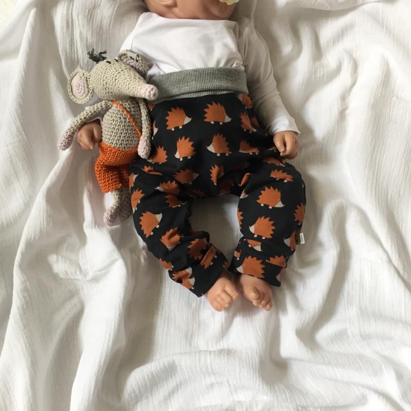 Kleinesbild - 2teil. Neugeborenen Set * STERN * Halstuch  und Beanie für Baby von zimtbienchen