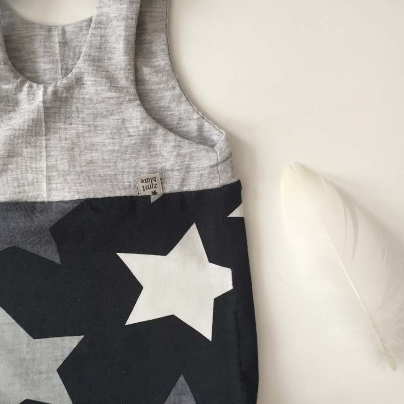 Kleinesbild - kurzer Baby Strampler * STAR * Jumper vom zimtbienchen  ab Gr. 44 handmade