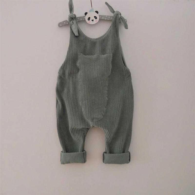 -  Latzhose Modell MATS dustymint Jumper Romper aus Jersey Cord für Baby und Kind vom zimtbienchen 50/104 -  Latzhose Modell MATS dustymint Jumper Romper aus Jersey Cord für Baby und Kind vom zimtbienchen 50/104